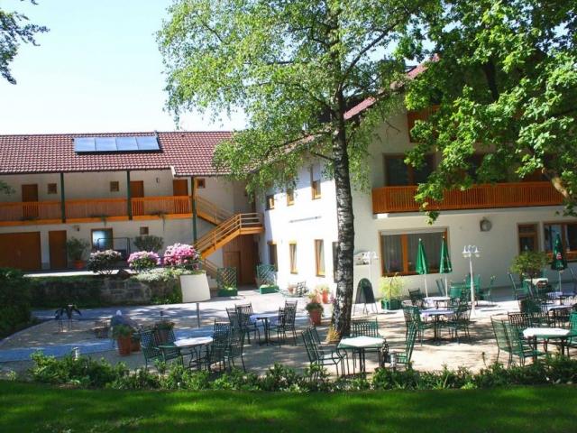 """Gasthof """"Zur Platte"""" - Waldrestaurant und Pension - Hausansichten"""