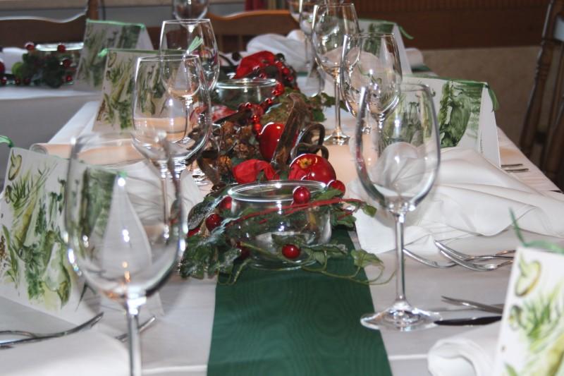 """Gasthof """"Zur Platte"""" - Waldrestaurant und Pension - Gedeckte Tische"""