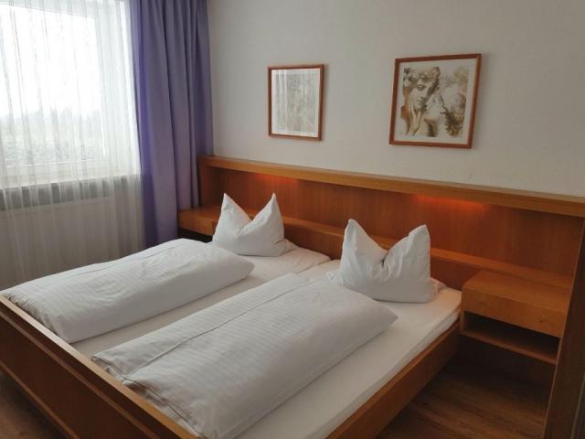 """Gasthof """"Zur Platte"""" - Waldrestaurant und Pension - Zimmer"""