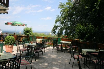 """Gasthof """"Zur Platte"""" - Waldrestaurant und Pension - Terrasse und Garten"""